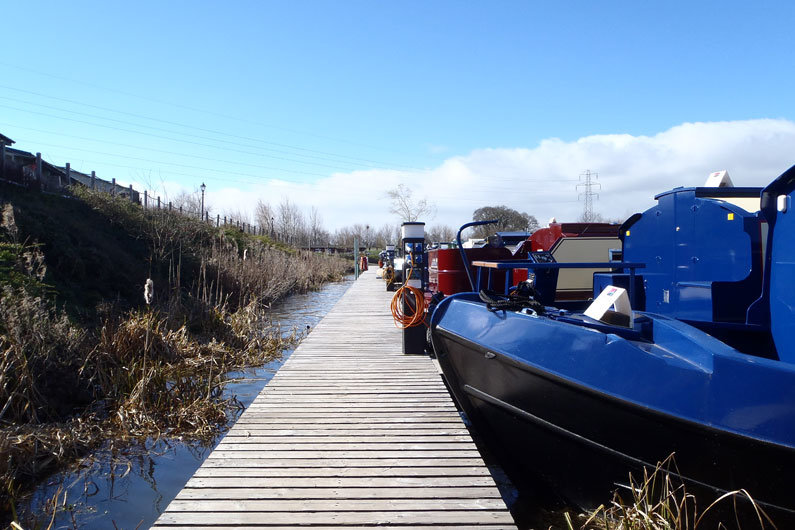 Using marina WiFi hotspots is an ideal way to access the internet from a narrow boat