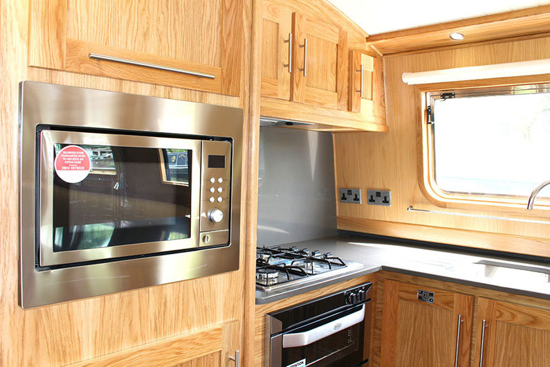 Built in gas hob and cooker with microwave on a narrowboat