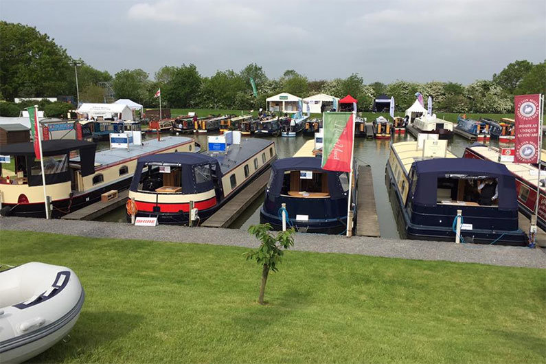 Narrowboat shows are ideal for viewing a selection of new and used narrow boats