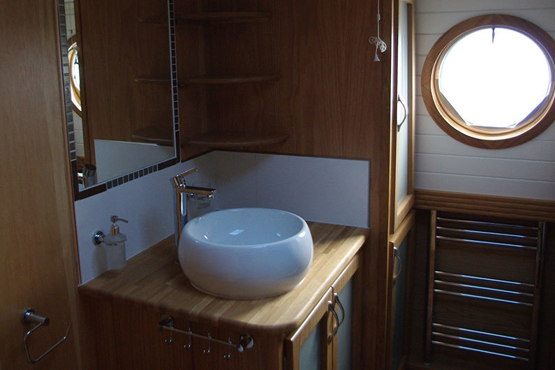 Household sinks can be installed on a narrow boat