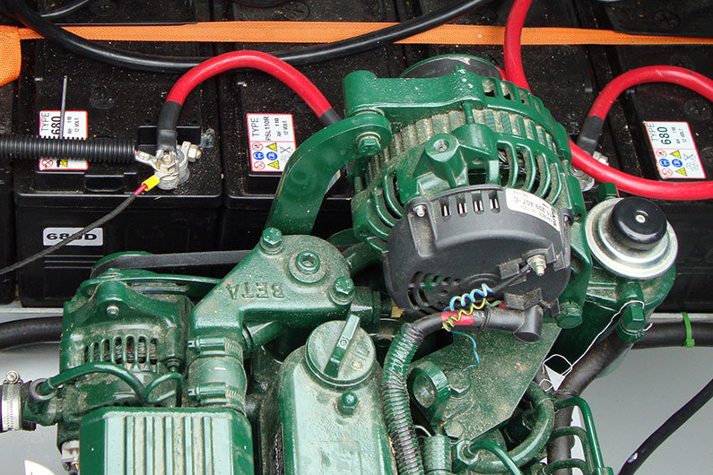 12v alternator on a narrow boat