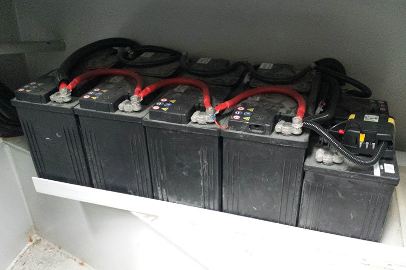 Battery set up on a narrowboat