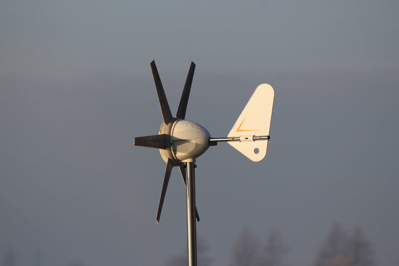 How much power is actually generated with a narrowboat wind turbine? Detailed annual analysis