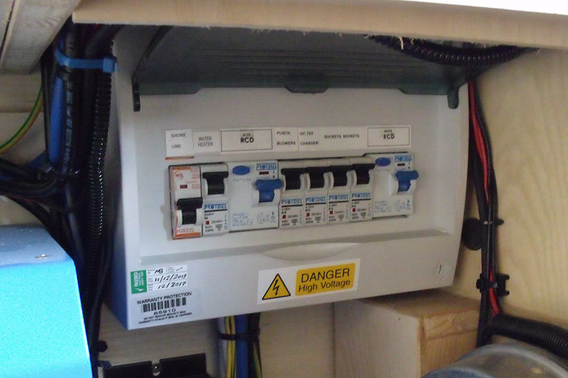narrowboat electrics fuses 11 guide to electrical circuit protection on a narrowboat trip rcd fuse box at aneh.co