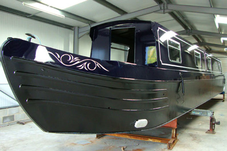A professional narrowboat painting job will produce superior results