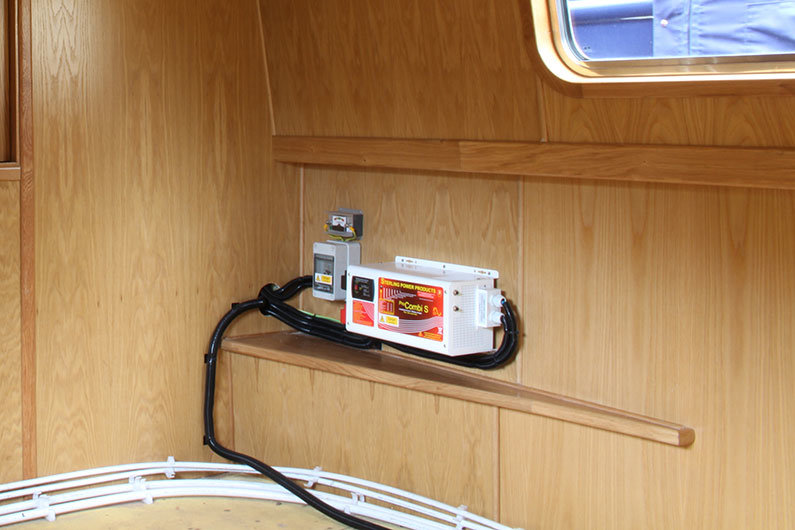 Electric conduit on a narrowboat sailaway