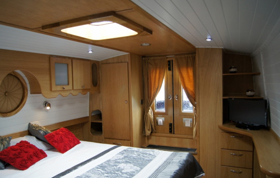 Master bedroom to the bow of the new fully fitted widebeam canal boat