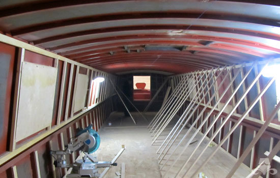 Lining & battening out a new widebeam canal boat 02