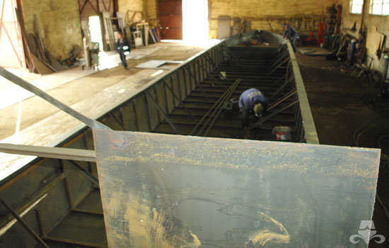 A new widebeam canal boat hull fabrication