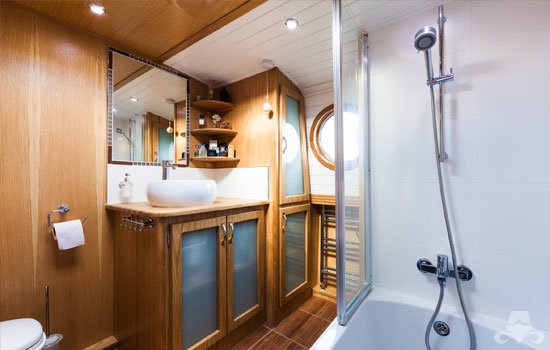 Fully fitted widebeam canal boat completed to our specification - bathroom