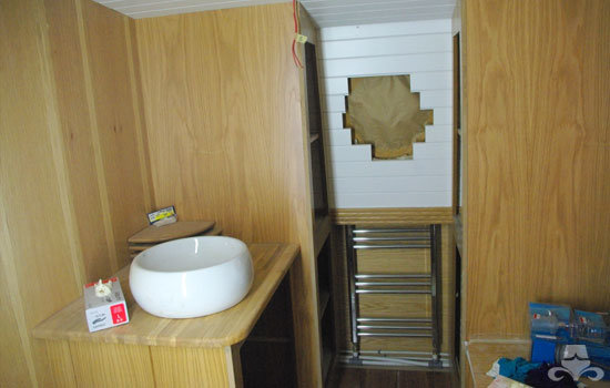 Bathroom fit out on a new widebeam canal boat 07