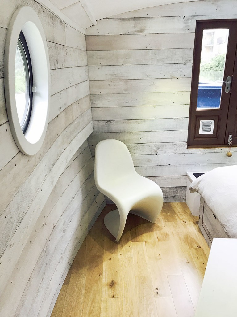 Bespoke Narrowboat & Widebeam Boat Builders | The Fit Out Pontoon Ltd