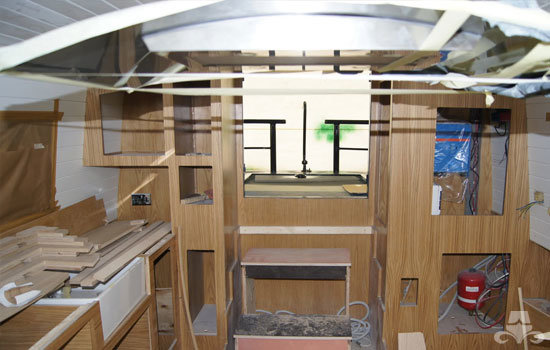Fit out of the galley & saloon on a new fully fitted widebeam canal boat 20
