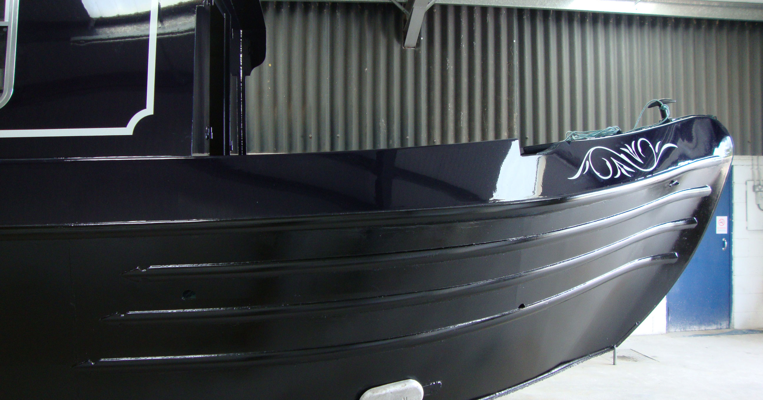 874fffe01 Guide To Narrowboat Hull Blacking Process
